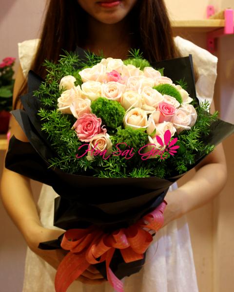 Hình ảnh 43 bó hoa sinh nhật đẹp làm say đắm mọi cô gái Hinh-anh-43-bo-hoa-sinh-nhat-dep-lam-say-dam-moi-co-gai-25
