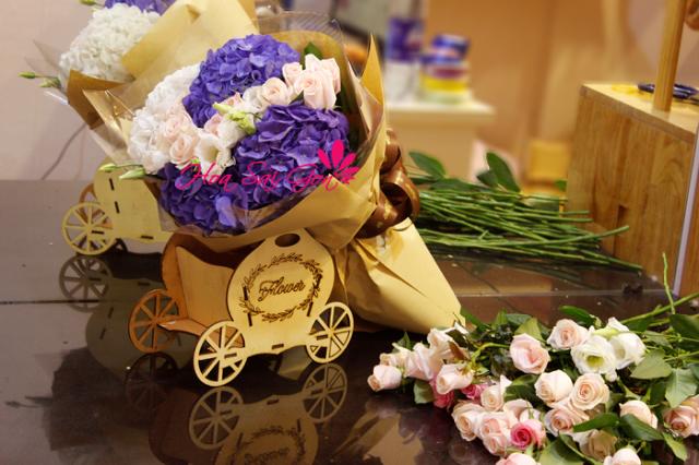 Hình ảnh 43 bó hoa sinh nhật đẹp làm say đắm mọi cô gái Hinh-anh-43-bo-hoa-sinh-nhat-dep-lam-say-dam-moi-co-gai-26