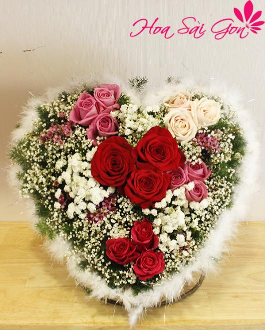 Mẫu hoa sinh nhật hình trái tim xinh đẹp
