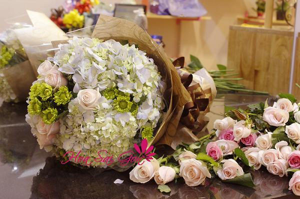 Hoa cẩm tú cầu là loài hoa sinh nhật ý nghĩa với những cánh hoa mỏng manh thể hiện vẻ đẹp dịu dàng